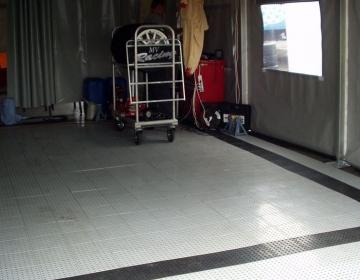 Garaaziboksi põranda matejal